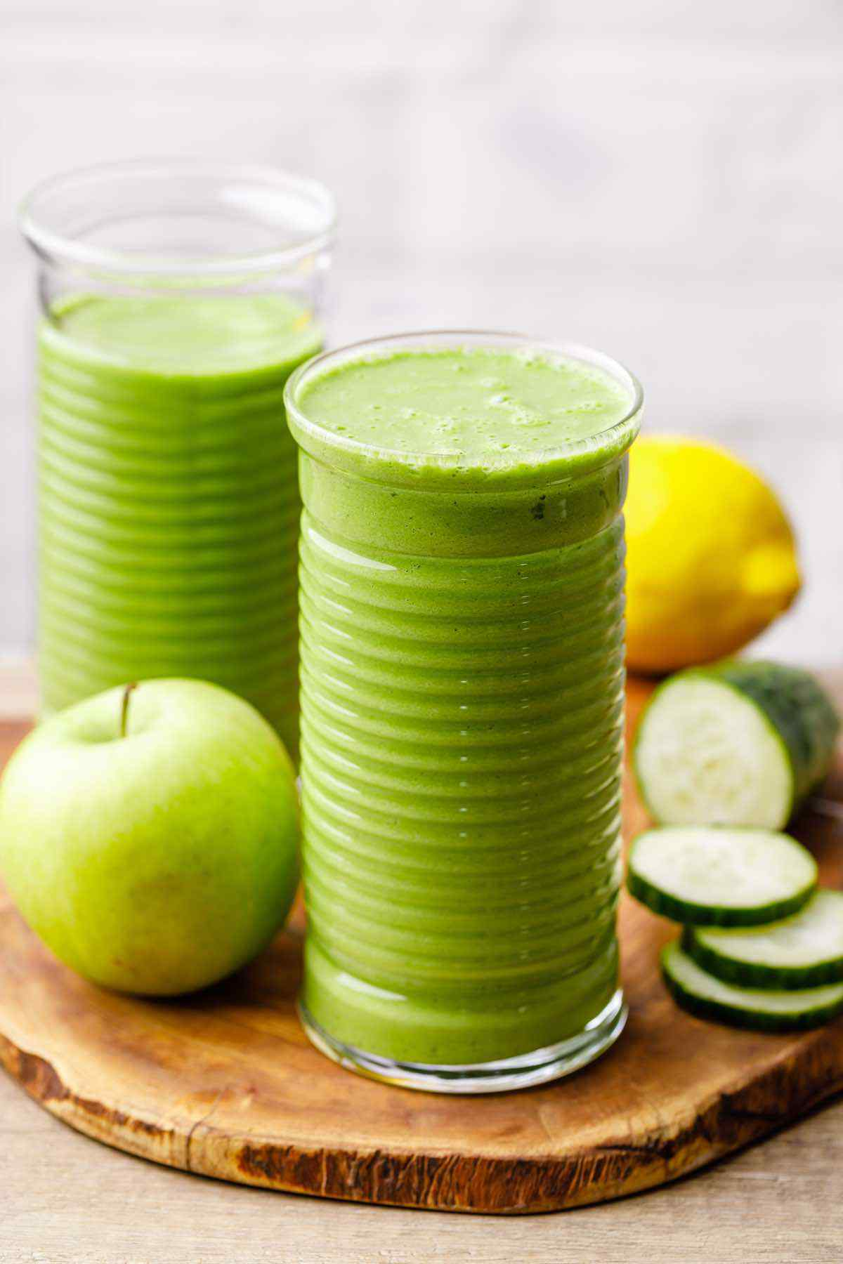 Apple Detox Smoothie for Healthy Digestion