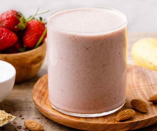 Strawberry Banana Smoothie for Weight Loss