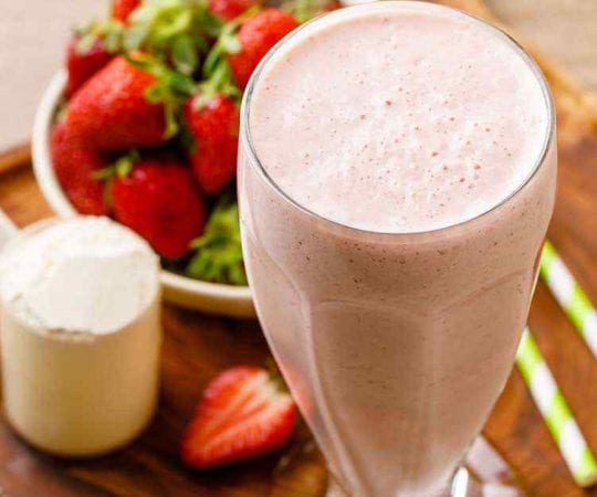 Easy Strawberry Protein Smoothie